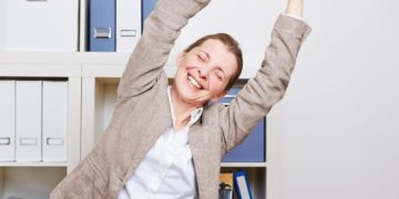 5 minute Office Stretch exercises: Back, Neck pain